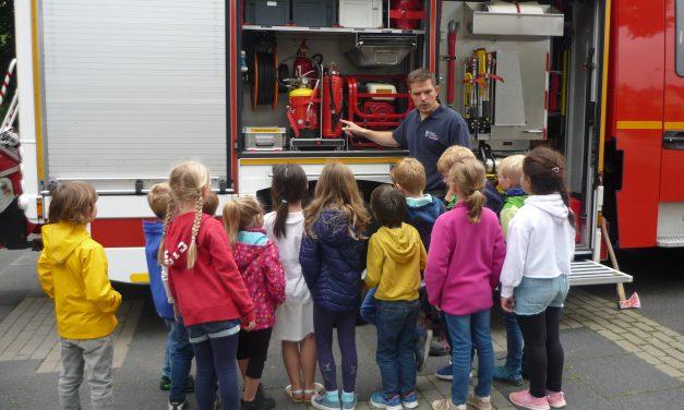 """""""Fliegenpilze"""" besuchten die Feuerwehr"""