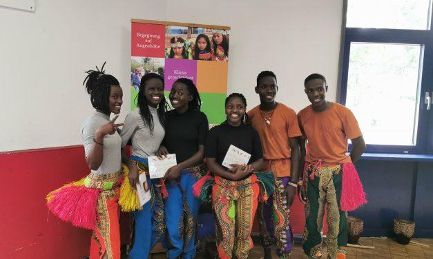 Tanz verbindet – Jugendliche aus Uganda zu Gast in Brauweiler
