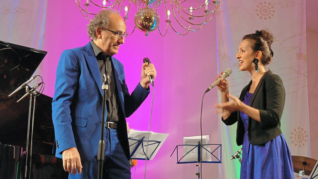 Herrenhauskonzert am Sonntag, 24. November 2019 um 18:00 Uhr Un homme et une femme · Französische Chansons