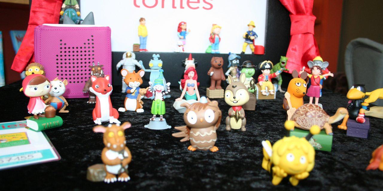 """Kleine Figuren erzählen Geschichten """"Tonies"""" zum Ausleihen in der Stadtbücherei"""
