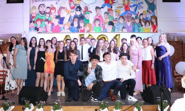 Die Abschlussklassen 2021 der Marion-Dönhoff-Realschule
