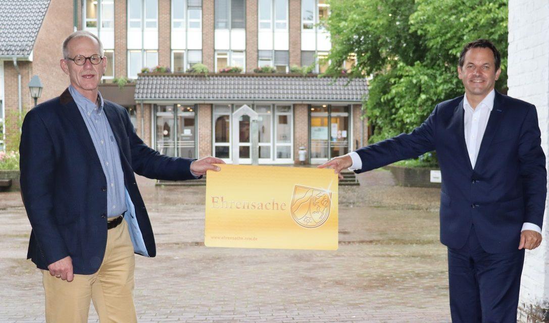 Besonderes Engagement würdigen – Bürgermeister Keppeler überreicht 100. Ehrenamtskarte